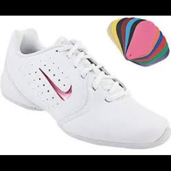 0b4ef19901fcfa NWT! Women s Nike Sideline III Cheerleading Shoes